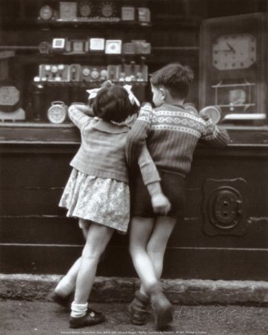 51 ideas children photography school robert doisneau for 2019 Robert Doisneau, Black White Photos, Black And White Photography, Vintage Paris, Vintage Soul, Vintage Pictures, Vintage Photographs, Retro, Vintage Children