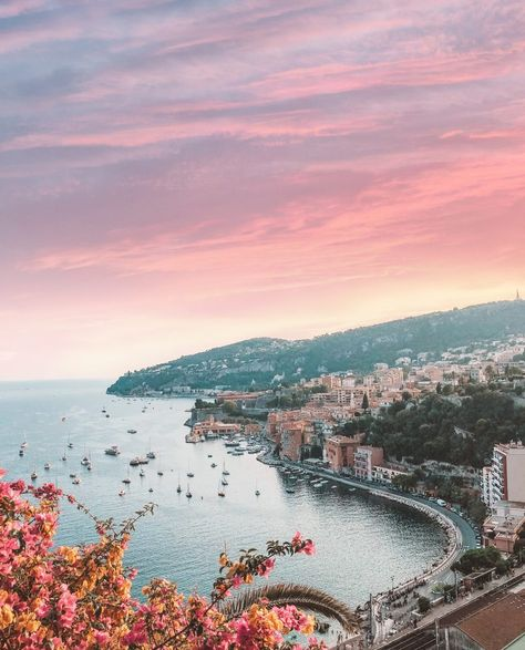 5 gorgeous hidden gems in the South of France - Forever Imanee Beautiful Places To Travel, I Want To Travel, Valensole, Juan Les Pins, Villefranche Sur Mer, Road Trip, French Riviera, South Of France, Travel Aesthetic
