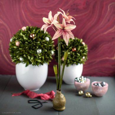 Diy Crepe Paper Amaryllis In 2020 Paper Flowers Paper Flowers Diy Crepe Paper
