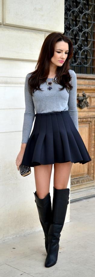 セクシーなスカートとブーツ
