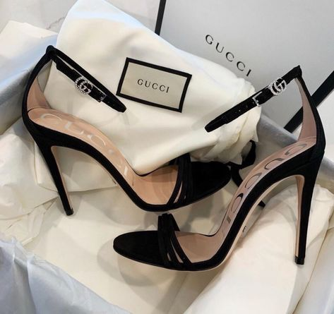Discover gorgeous designer shoes from one of our favorite brands - GUCCI. Hype Shoes, Gucci Shoes, Designer Shoes Heels, Aesthetic Shoes, Fashion Heels, Fashion Fashion, Fashion Women, Celebrities Fashion, Fashion Clothes