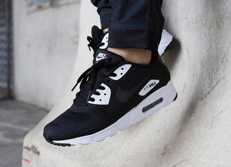 Découvrez la Nike Air Max 90 Ultra Essential (Black/White/White ...
