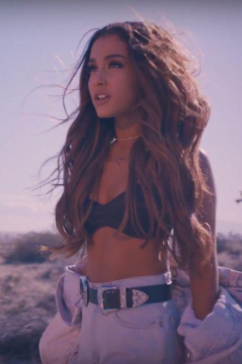 Ariana Grande Just Premiered the Perfect Summer Music Video - Prominente Ariana Grande Fotos, Ariana Grande Outfits, Ariana Grande Pictures, Ariana Grande Smiling, Ariana Grande Hairstyles, Ariana Grande Bikini, Ariana Grande Body, Ariana Grande 2016, Ariana Grande Tumblr
