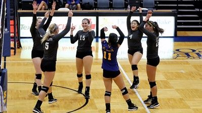 Stmu Volleyball Closes Out Season Victorious Over Dustdevils Volleyball Athlete Victorious