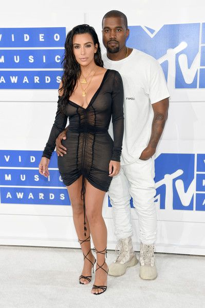 Kim Kardashian in an Off-Shoulder LBD - Best Dressed at the 2016 MTV VMAs - Photos