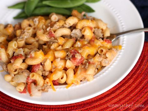 You can't beat a dinner that's ready in about 30 minutes and only uses one pot! Your family will love this easy, cheesy Skillet Cheeseburger Macaroni!
