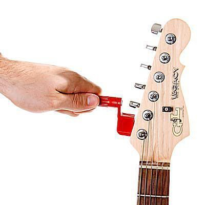 Learn To Change The Strings On Your Electric Guitar Via This Illustrated Electric Guitar Strin Electric Guitar Strings Guitar Strings Guitar Lessons Tutorials