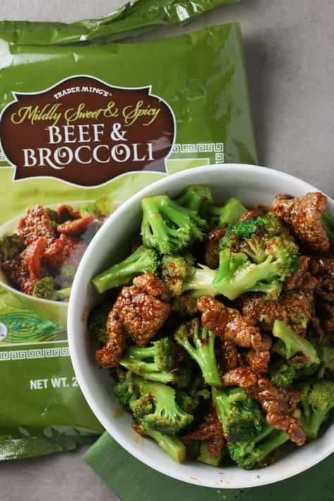 Trader Joe's Mildly Sweet and Spicy Beef and Broccoli Trader Joes Frozen Food, Joe Beef, Great Recipes, Healthy Recipes, Healthy Food, Broccoli Beef, Steamed Broccoli, Frozen Meals, Food Staples