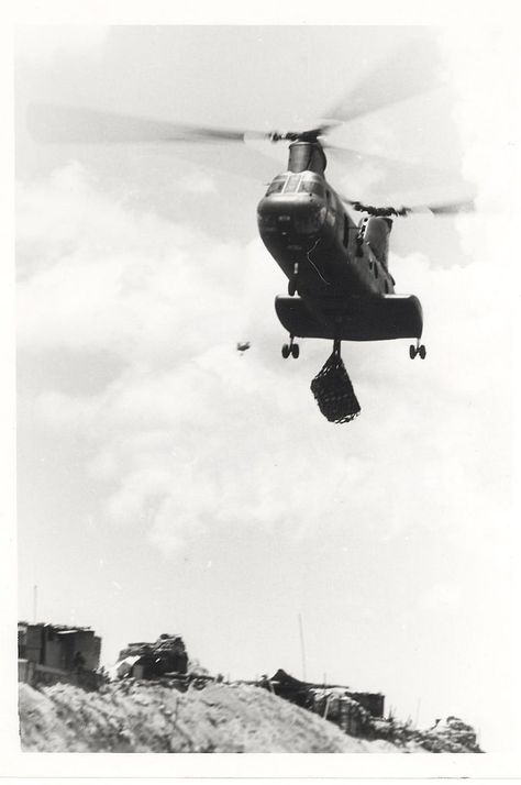 https://flic.kr/p/AJt7nq | Sea Knight Helicopter Lifts Supplies, 17 July 1968 |