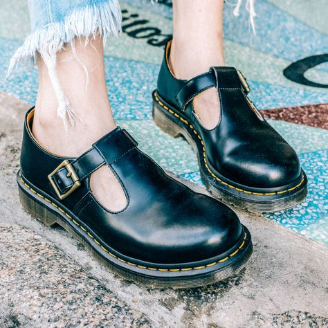 Dr Martens Women/'s Polley Floral Emboss Buckle T-Bar AirWair Shoes