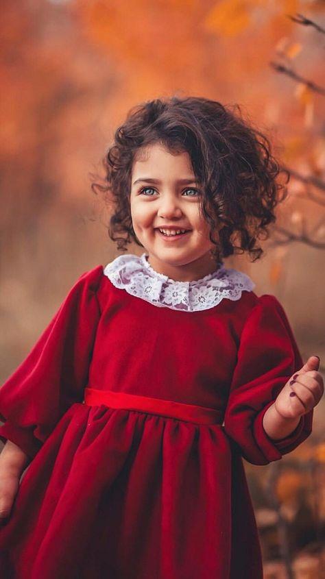 Pin By Priyanka G On رمزيات Cute Little Baby Girl Cute Baby Girl Wallpaper Cute Baby Wallpaper
