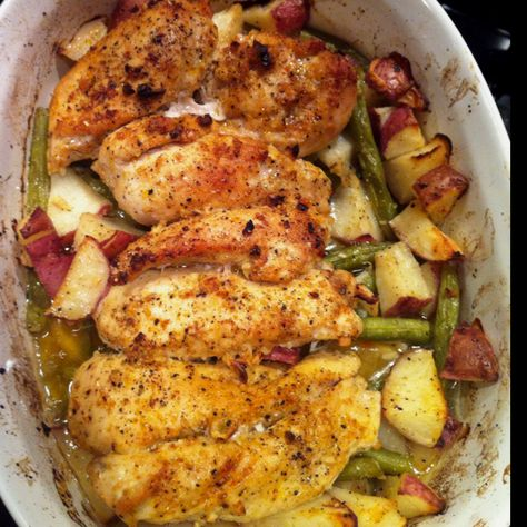 Easy week night meal. Garlic & lemon chicken with green beans & red potatoes! Just toss it in the oven. One of my favorites!