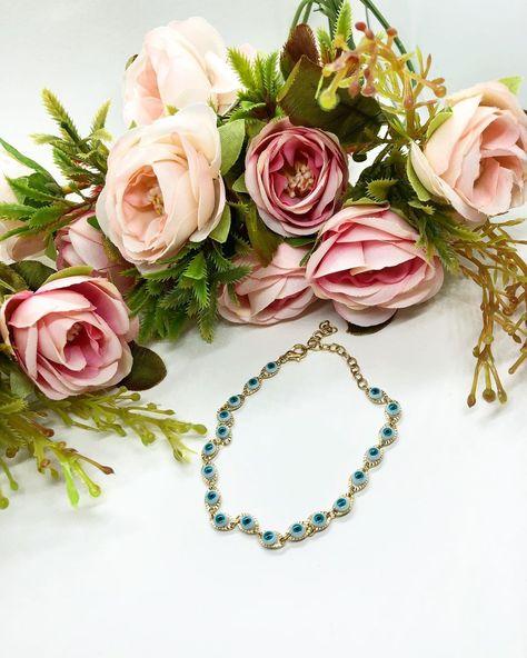 Jewelry first, clothes second 💁🏽♀️💁🏻♀️💁🏼♀️ ✨Chapa de oro 24K  #eveleyebracelet #braceletoftheday #goldenbracelet #bracelet #jewelrytrends #jewelryaddict #instajewelry #musthave #jewelrystyle #jewelryforsale #shoponline #RoseAllDay #TenderRose