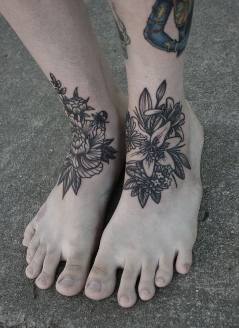blumen tattoo fuss tattoos white tattoo foot cool wrist tattoos