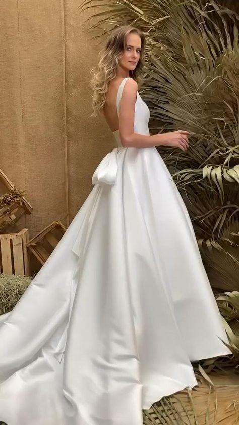 Vestido de noiva com laço e saia ampla, por Lucas Anderi. #vestidodenoiva #noivas #bride #weddingdress #lucasanderi