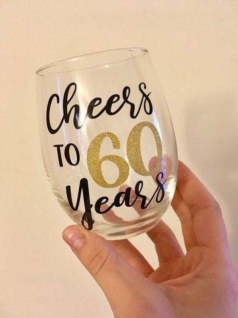 Cheers to 60 Years Wine Glass, Birthday Wine Glass, 60 Birthday Wine Glass, Birthday Gift, 60th Birthday Ideas For Mom, Mom Birthday Crafts, 80th Birthday Gifts, 60th Birthday Quotes, Grandma Birthday, Wife Birthday, Birthday Images, Birthday Greetings, Birthday Wishes