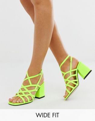 ASOS DESIGN Wide Fit Winning strappy