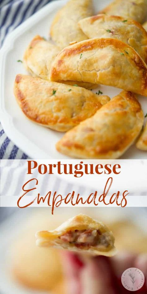 Empanadas stuffed with Portuguese chorizo ground beef spices and a creamy lemony sauce ; then baked until golden brown. Mexican Food Recipes, Beef Recipes, Cooking Recipes, Ethnic Recipes, Recipies, Nacho Dip, Latin Food, Meat Appetizers, Appetizer Recipes