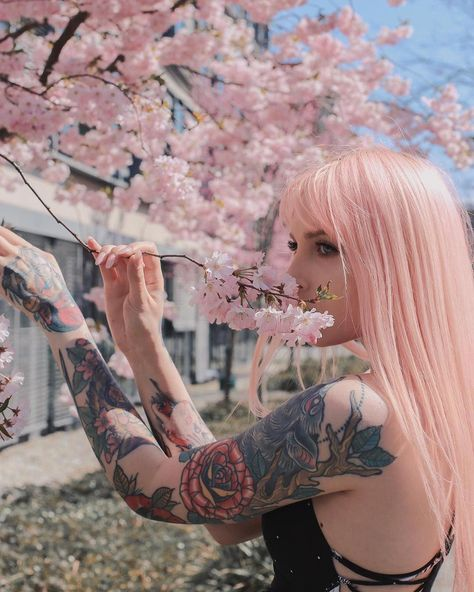 ARCTIC FOX HAIR COLOR @thebentofox 🌸~ I made a new account for more personal style photos I like to post and don't fit in here.. check it out if you want to♥️ @byakkogal #pastelhair #pinkhair #animehair #kawaiihair #hairstyles #hairinspo #shorthairstyles