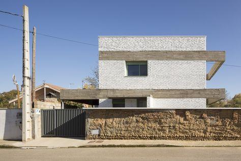 Gallery of House in an Orchard / Javier Ramos Morán + Moisés Puente Rodríguez - 1