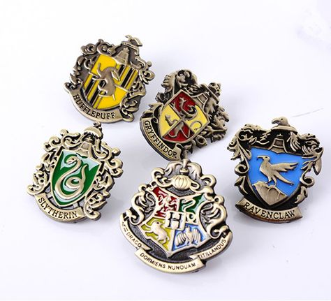 Harry Potter Brooches Pins Badges Houses Coat Of Arms New Brooch Gryffindor Hogwarts Hufflepuff Raven Harry Potter Badges Harry Potter Shop Harry Potter School