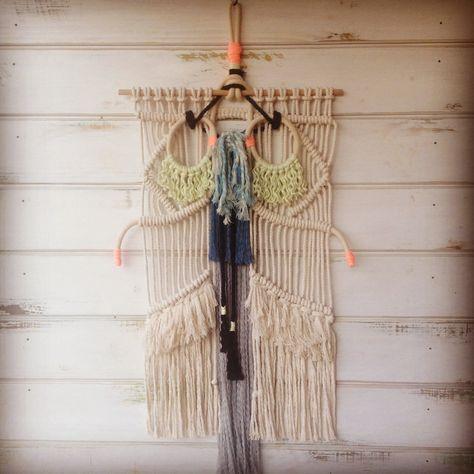 Ojitos macrame weaving by ranrandesign