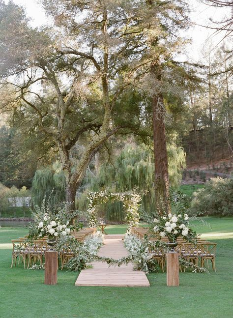 This Classic California Wedding Embraced the Natural Beauty of Napa Valley outdoor wedding ceremony golf course wooden chairs. Napa Valley, Green Colour Palette, Wedding Venue Inspiration, Wedding Ceremony, Outdoor Ceremony, Wedding Backdrops, Tent Wedding, Wedding Signs, Dream Wedding