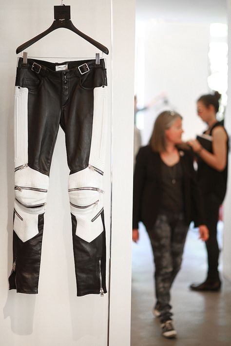 fa0b776e5d4f5d Yves Saint Laurent Biker Leggings   fashion in 2019   Biker pants, Biker  jeans, Leather men