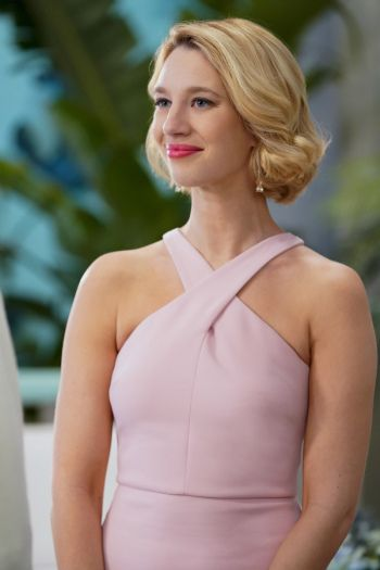 Petra Is A Main Character On Cw Dramedy Jane The Virgin She Is Portrayed By Yael Grobglas Petra Andel Is R Jane The Virgin Best Virgin Hair Short Hair Styles