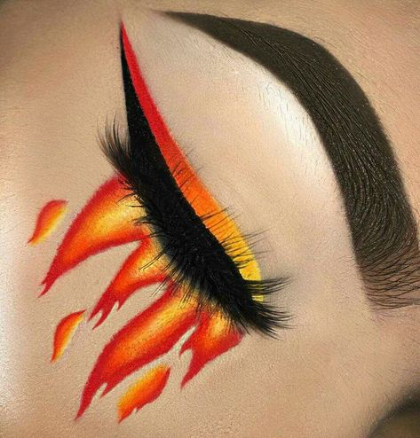 🔥 We are on fire for this make-up look! Fire Makeup, Eye Makeup Art, Glam Makeup, Skin Makeup, Makeup Inspo, Eyeshadow Makeup, Makeup Inspiration, Exotic Makeup, Eyeliner