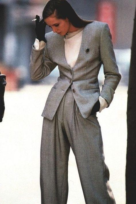 Bring Lara Crofts Tits Back Suit Fashion, 80s Fashion, Vintage Fashion, Fashion Outfits, Power Dressing, Business Outfits, Business Fashion, Mode Ab 50, 80s Party Outfits