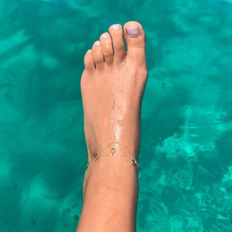 White Sapphire & 14K Solid Gold  Single Bezel Set Toe Anklet (Boho Foot Slave, Lariat Chain Ankle To