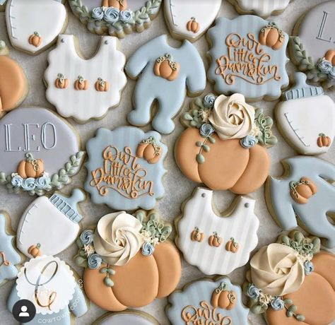 "A little pumpkin is on the way🧡🍼💙 Onesie and ""our little pumpkin"" plaque design and all pumpkin transfers thank you to Elegant Baby Shower, Simple Baby Shower, Boho Baby Shower, Baby Shower Fall, Baby Boy Shower, Fall Baby, Gender Neutral Baby Shower, Baby Girl Cookies, Baby Shower Cookies"