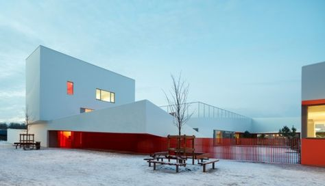 Groupe Scolaire Joséphine Baker Dominique Coulon Associés - Easily coolest school world