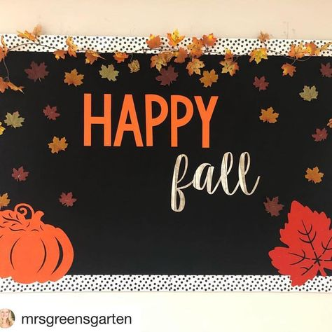 The best fall classroom decorations including the cutest fall bulletin board ideas, door decorations, cute signs and tons of DIY ideas November Bulletin Boards, Office Bulletin Boards, Thanksgiving Bulletin Boards, Kindergarten Bulletin Boards, Bulletin Board Design, Halloween Bulletin Boards, Birthday Bulletin Boards, Bulletin Board Borders, Bulletin Boards For Fall