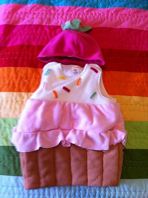 Awwww, little cupcake costume!  I know just the little girl to make this for :)
