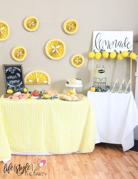 Her Main Squeeze – Lemon Themed Bridal Shower! Baby Shower Brunch, Shower Party, Baby Shower Parties, Bridal Shower Centerpieces, Bridal Shower Cakes, Themed Bridal Showers, Lemon Party, Tiffany Party, Unique Bridal Shower