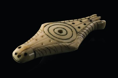 Inuit - amulet in shape of seal