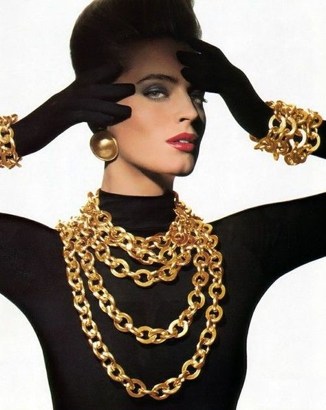 Classic gold Chanel chains updated in a bolder size.- To inspire a black and gold theme.