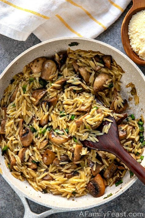 Side dish recipes 675469644098389895 - Orzo with Mushrooms, Scallions and Parmesan – A delicious pasta dish made with orzo and mushrooms in a light sauce flavored with chicken stock, marjoram,scallions, and parmesan cheese. Pasta Recipes, Vegan Recipes, Dinner Recipes, Cooking Recipes, Health Food Recipes, Vegetarian Italian Recipes, Orzo Salad Recipes, Amish Recipes, Dutch Recipes