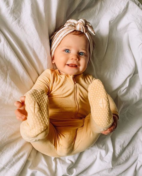 Lil Baby, Little Babies, Cute Babies, Baby Kids, Cute Little Baby Girl, Cute Newborn Baby Girl, Baby Outfits Newborn, Cute Baby Pictures, Baby Photos