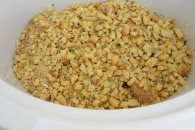 The Pursuit of Happiness: EASY Crockpot Chicken & Stuffing