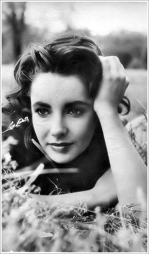 Elizabeth Taylor...  I absolutely adore the vintage twist on these.