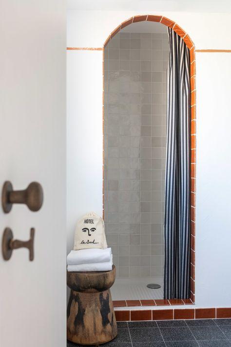 Diese Wandfarben Tricks Sorgen Fur Eine Portion French Riviera In Ihrem Zuhause In 2020 Inneneinrichtung Zuhause Wandfarbe