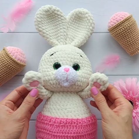 AMIGURUMI BUNNY Pattern - Crochet rabbit PDF Pattern - Stuffed Toys pattern - Cuddly Bunny - Plush toy pattern
