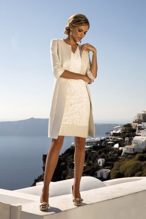 buy online 06113 c746e Pin su Dresses for AMBER's wedding