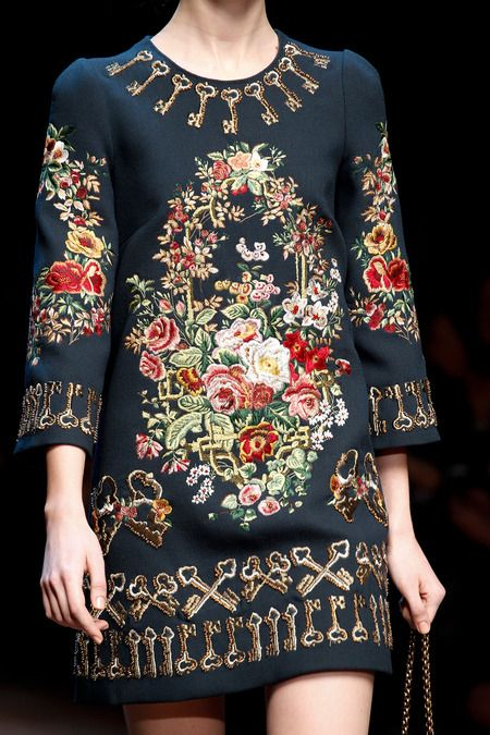 Dolce Gabbana Fall 2014 RTW - Runway Photos - Fashion Week - Runway, Fashion Shows and Collections - Vogue