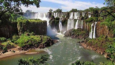 30 Foto Pemandangan Air Terjun Di Dunia 22 Pemandangan Terindah Di Dunia Paling Menakjubkan Paling Sering Dikunjung Di 2020 Air Terjun Iguazu Pemandangan Air Terjun