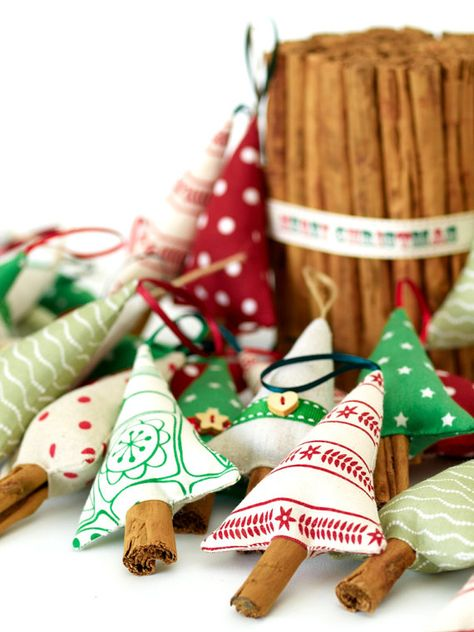 Cinnamon stick Christmas trees. So clever!