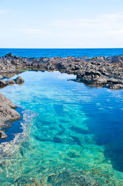 Makapu'u Tide Pools, Oahu, Hawaii WOW! Look how gorgeous these ocean tide pool are in Hawaii with blue, clear water and amazing views! Hawaii travel and amazing locations and photography.